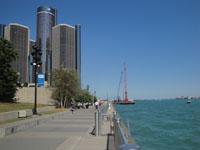 Renaissance Center, Detroit River
