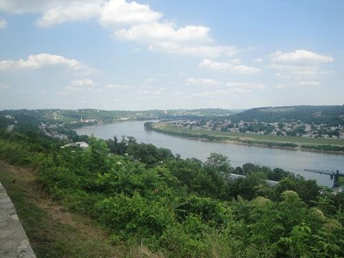 Cincinnati Eden Park - Ohio River