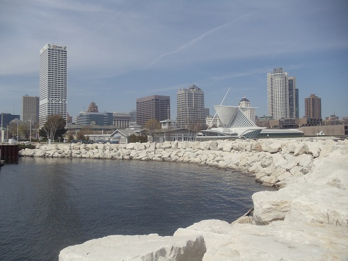 Milwaukee Pier