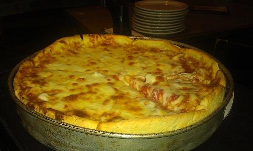 Chicago - deep dish pizza - Exchequer Restaurant & Pub