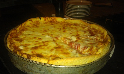 Chicago - deep dish pizza - Exchequer Restaurant & Pub