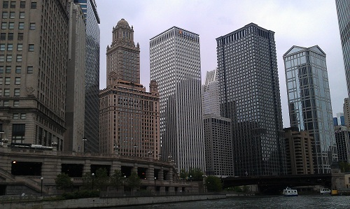 Chicago River - River boat tour - skyline - building architecture