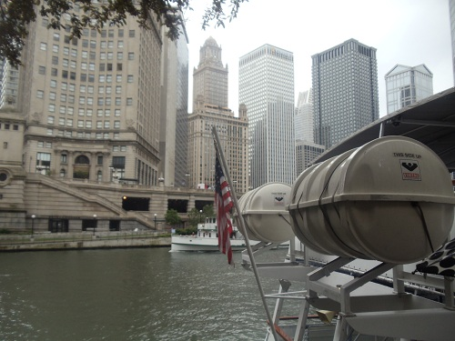 Chicago River - River boat tour - American flag
