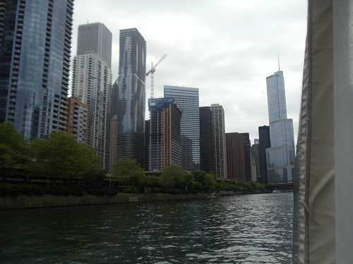 Chicago River - River boat tour - skyline