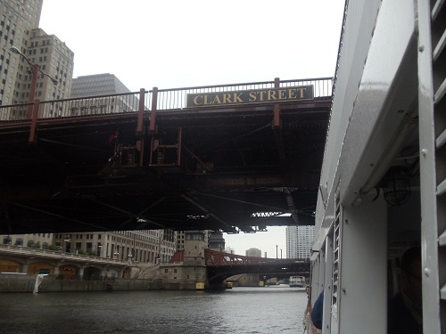 Chicago River - River boat tour - bridges
