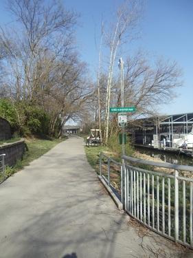 Volunteer Landing - Knoxville, Tennessee - walking trails