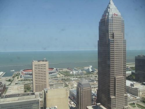 Cleveland - Terminal Tower, lake shore