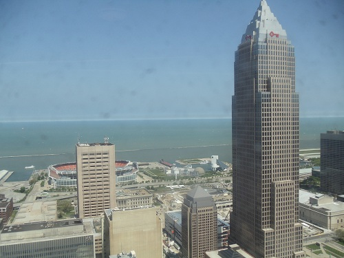 Cleveland - Terminal Tower, lake shore