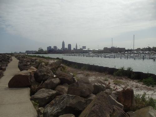 Cleveland, Ohio skyline - Edgewater Park, marina