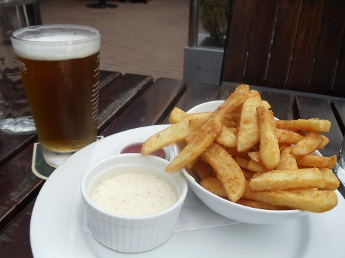 Frites, aioli, New Zealand beer