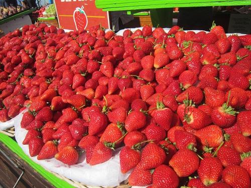 Pier 39, San Francisco, strawberries