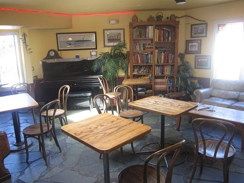 Capitola, coffee, Mr. Toots coffeehouse, California