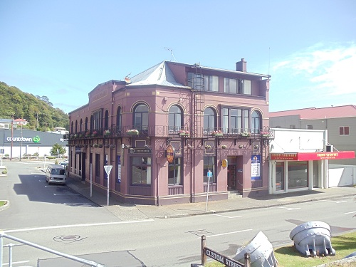 Greymouth, New Zealand, Royal Hotel Greymouth, Countdown supermarket