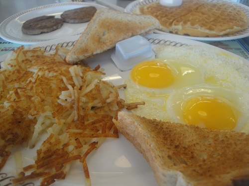 A good ole Waffle House breakfast in Perrysburg, Ohio