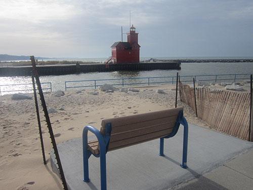 Holland, Michigan, Big Red lighthouse, park bench, Lake Michigan
