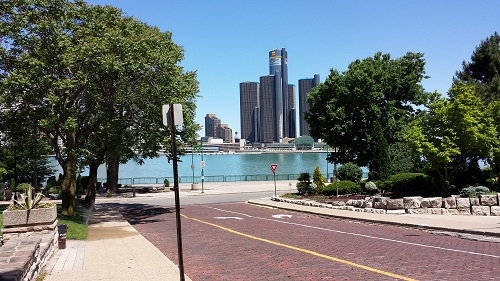 Windsor Riverwalk, Detroit river, skyline