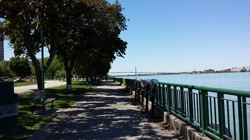 Windsor Riverwalk, gardens
