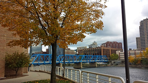 Michigan, fall leaves, Autumn, Grand Rapids skyline