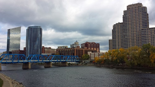 Michigan, fall leaves, Autumn, Grand Rapids skyline