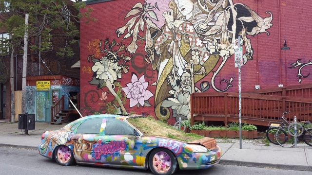 Toronto, Kensington Market Garden Car