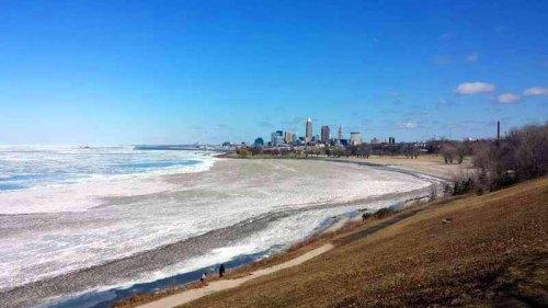 Edgewater Park, Lake Erie, Cleveland, skyline