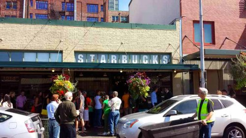Frifotos - Entrances, The Original Starbucks in Seattle