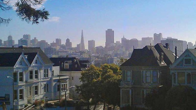 10 reasons Why I Keep Going Back to San Francisco - skyline from Alamo Square