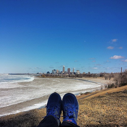 Frifotos - Solitude - Cleveland skyline, Lake Erie from Edgewater Park
