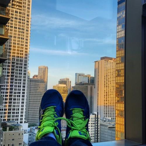Frifotos - Solitude - Up-top Vertigo Sky Lounge In Chicago
