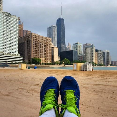 Frifotos - Solitude - Beachside along Lake Shore Drive in Chicago