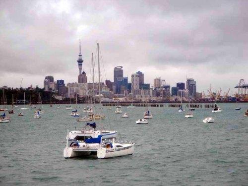 Auckland skyline along Tamaki Drive
