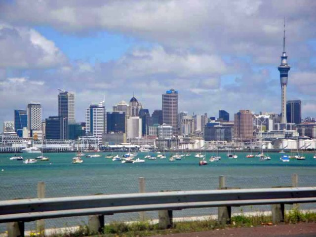 Auckland skyline, Auckland Harbour Bridge