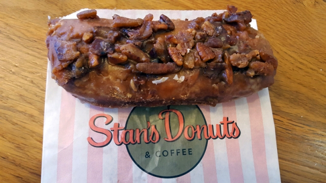 Wicker Park Chicago neighborhood - Stan's Donuts,  maple caramel bacon pecan bar