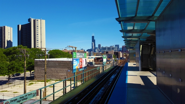 Chicago skyline from the Green Line in South Loop