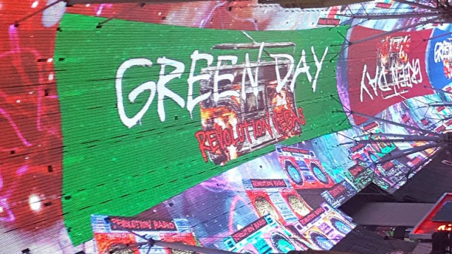 Fremont Street Experience - Viva Vision Light Show, Green Day