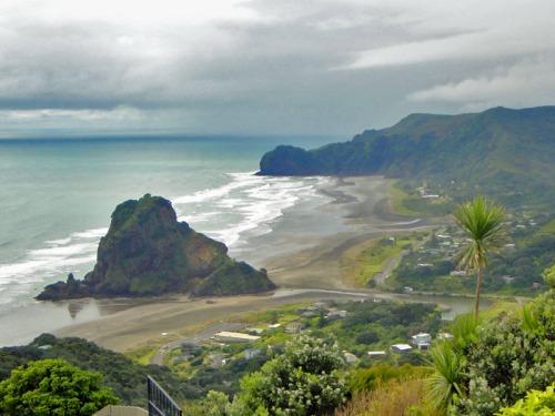 Piha Beach - Favorite New Zealand Beach shots