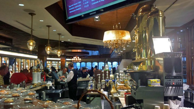 Cafe Intermezzo, Concourse B, Atlanta airport
