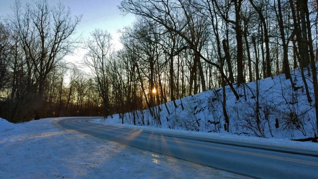 Ann Arbor Polar Vortex 2019 - Huron River Drive